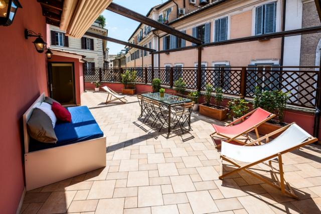 Navona Pantheon Terrace 2 bedroom Rome